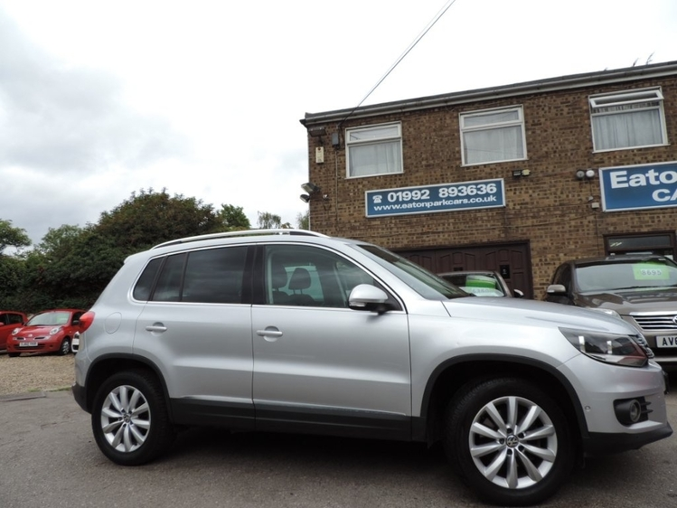 View VOLKSWAGEN TIGUAN 2.0 TDI BlueMotion Tech Match 4WD 5dr